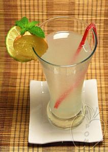 Cóctel de jengibre, menta y lima (10)
