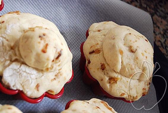 Preparando los brioches de cebolla frita (10)