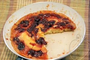 Tarta caramelizada de mermelada de cerezas (con sartén) (1