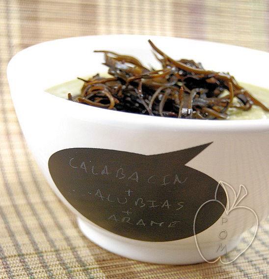 Crema de alubias y calabacín con ensalada de alga-copia-1