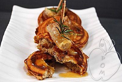 Tortitas de castaña con cansalada y miel (24)