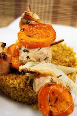 Brochetas de pollo marinado con hinojo y albaricoques (6)