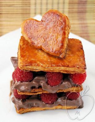 Milhojas de frambuesa y mousse de helado de chocolate (51)