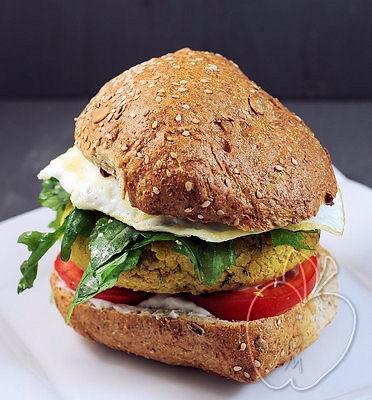 Bocata de hamburguesa vegetal (6)