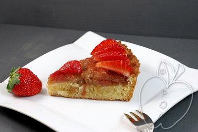 Tarta de ruibarbo y fresas con frangipane al estil-copia-2