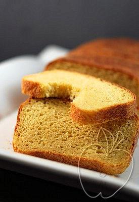 Pan de harina de maíz integral y masa madre (6)