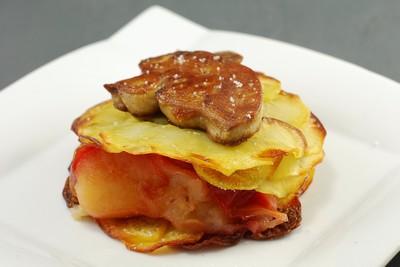Tarta de manzana y foie con base de patata (1)